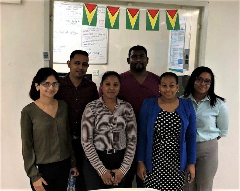 imagen de voluntarios de RAD-AID en Guyana.