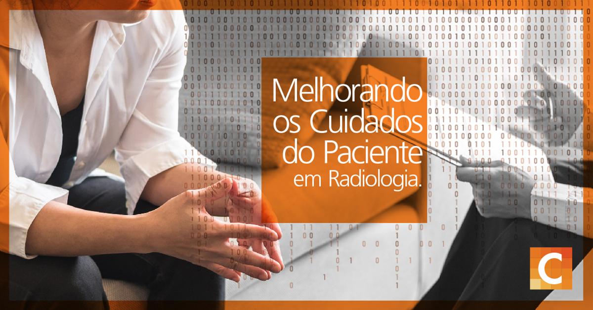 """Foto de uma mulher falando com um médico segurando uma prancheta. Caixa de texto laranja no meio da imagem dizendo """"melhorando o atendimento ao paciente em radiologia""""."""